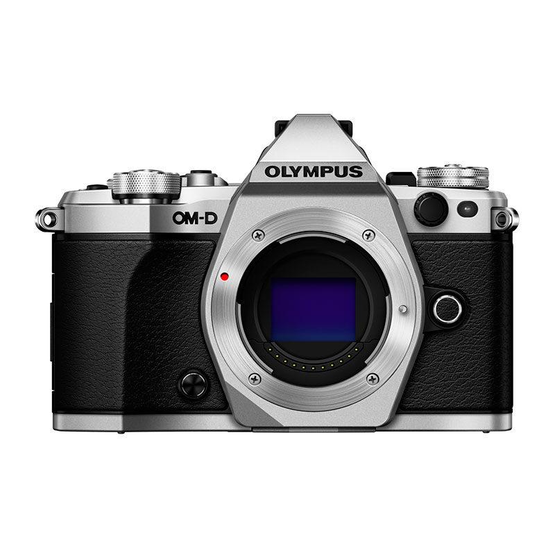 Olympus OM-D E-M5 Mark II systeemcamera Body Zilver <br/>€ 799.00 <br/> <a href='https://www.cameranu.nl/fotografie/?tt=12190_474631_241358_&r=https%3A%2F%2Fwww.cameranu.nl%2Fnl%2Fp652155%2Folympus-om-d-e-m5-mark-ii-systeemcamera-body-zilver%3Fchannable%3De10841.NjUyMTU1%26utm_campaign%3D%26utm_content%3DOM-D%2Bserie%26utm_source%3DTradetracker%26utm_medium%3Dcpc%26utm_term%3DDigitale%2Bcamera%26apos%3Bs' target='_blank'>naar de winkel</a>