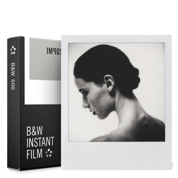 Foto van Impossible Black & White Film voor 600