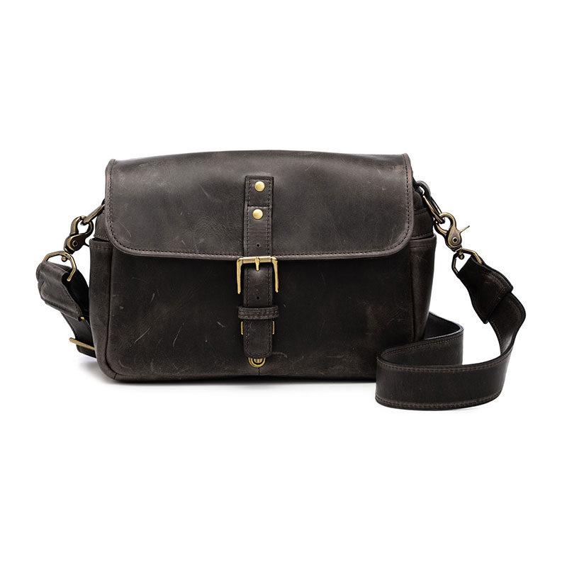 Foto van ONA The Bowery Leather Dark Truffle Messenger Bag