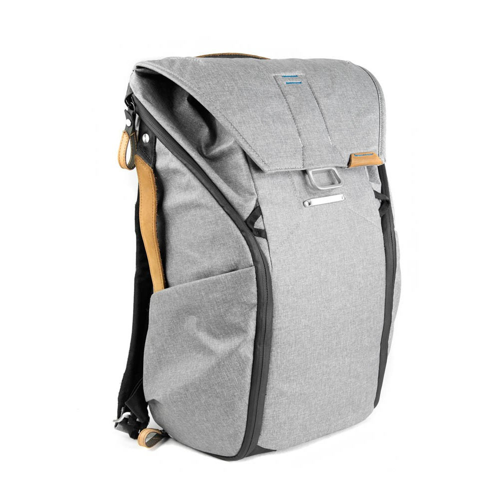 Foto van Peak Design Everyday Backpack 20L Ash