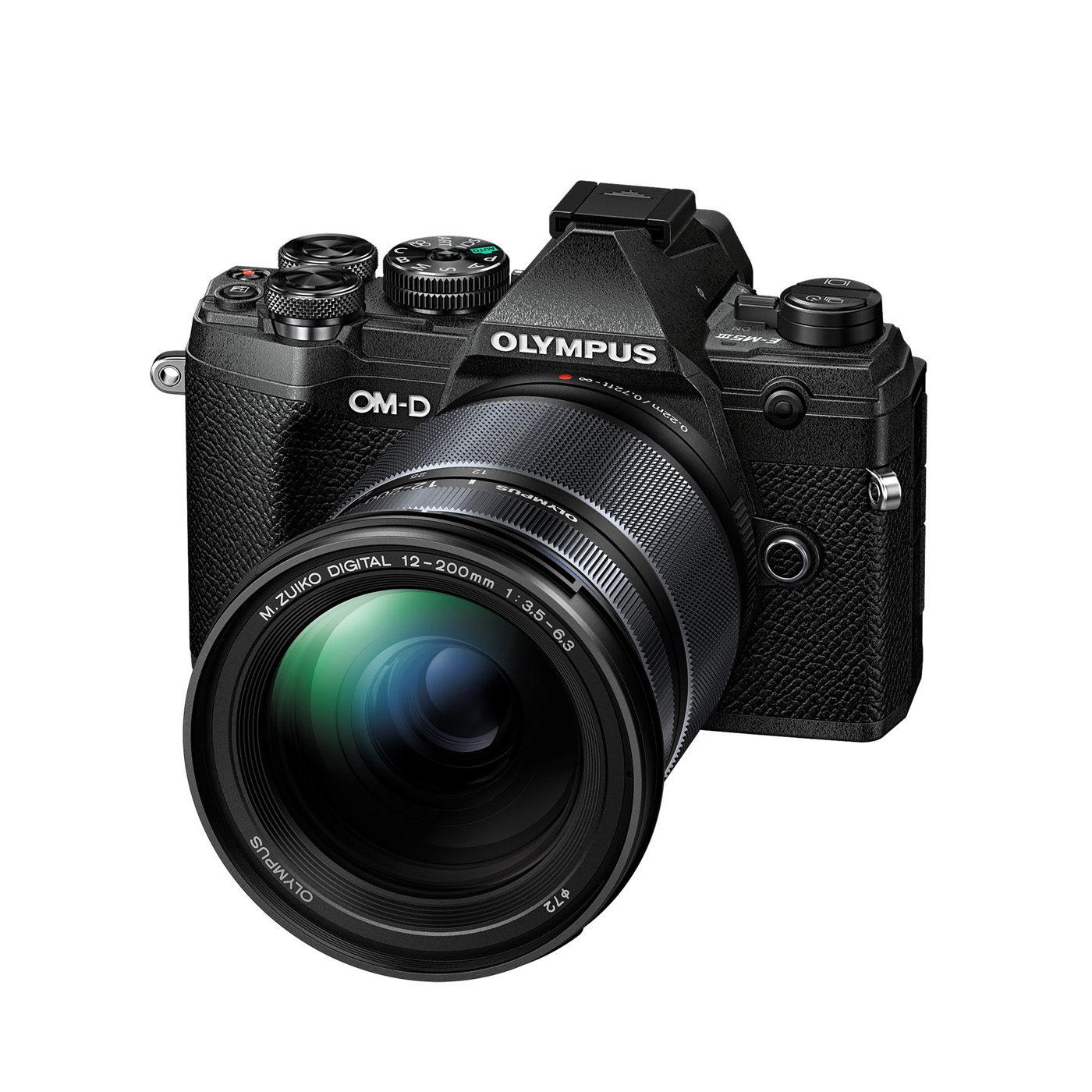 Olympus OM-D E-M5 Mark III systeemcamera Zwart + 12-200mm <br/>€ 1799.00 <br/> <a href='https://www.cameranu.nl/fotografie/?tt=12190_474631_241358_&r=https%3A%2F%2Fwww.cameranu.nl%2Fnl%2Fp3130132%2Folympus-om-d-e-m5-mark-iii-systeemcamera-zwart-12-200mm%3Fchannable%3De10841.MzEzMDEzMg%26utm_campaign%3D%26utm_content%3DOM-D%2Bserie%26utm_source%3DTradetracker%26utm_medium%3Dcpc%26utm_term%3DDigitale%2Bcamera%26apos%3Bs' target='_blank'>naar de winkel</a>