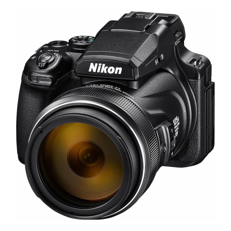 Nikon Coolpix P1000 compact camera Zwart <br/>€ 1099.00 <br/> <a href='https://www.cameranu.nl/fotografie/?tt=12190_474631_241358_&r=https%3A%2F%2Fwww.cameranu.nl%2Fnl%2Fp2587255%2Fnikon-coolpix-p1000-compact-camera-zwart%3Fchannable%3De10841.MjU4NzI1NQ%26utm_campaign%3D%26utm_content%3DCompact%2Bcamera%26utm_source%3DTradetracker%26utm_medium%3Dcpc%26utm_term%3DDigitale%2Bcamera%26apos%3Bs' target='_blank'>naar de winkel</a>