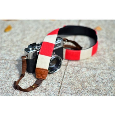 iMo Rood met Witte Strepen Neopreen Camera Strap
