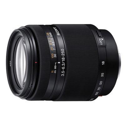 Sony 18-250mm f/3.5-6.3 DT objectief