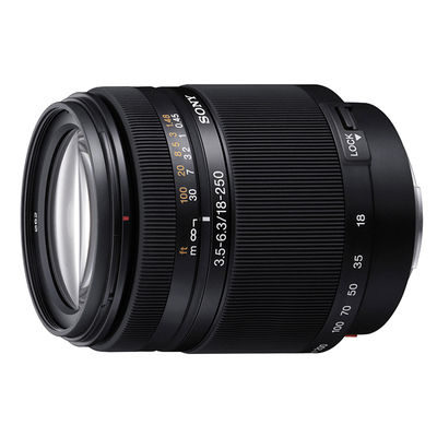 Sony 18-250mm f/3.5-6.3 DT objectief - Occasion