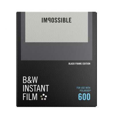 Impossible Black & White Film 2.0 met zwart frame voor Polaroid 600